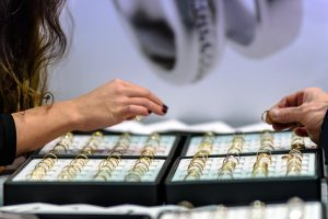 jewelry store 1803808 960 720 300x200 Why You Should Choose a Small Jeweller?